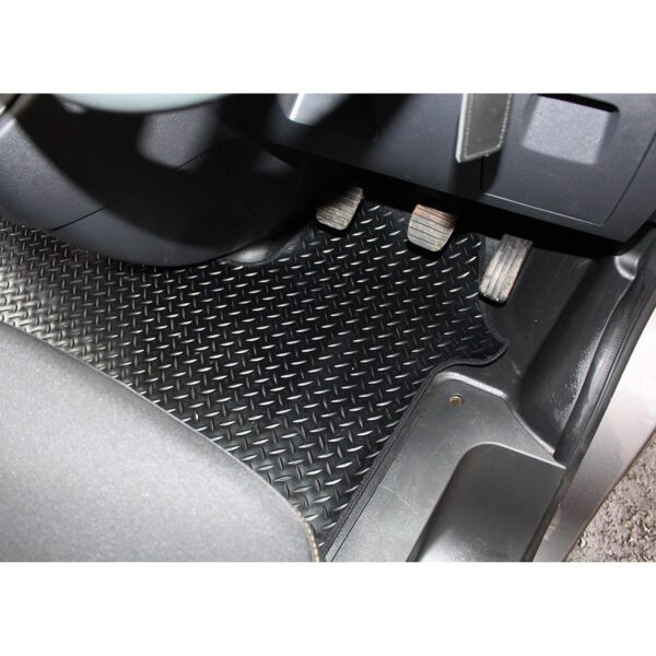 RENAULT TRAFIC - VAUXHALL VIVARO - 2014 ON STX TAILORED FIT RUBBER MAT BLACK