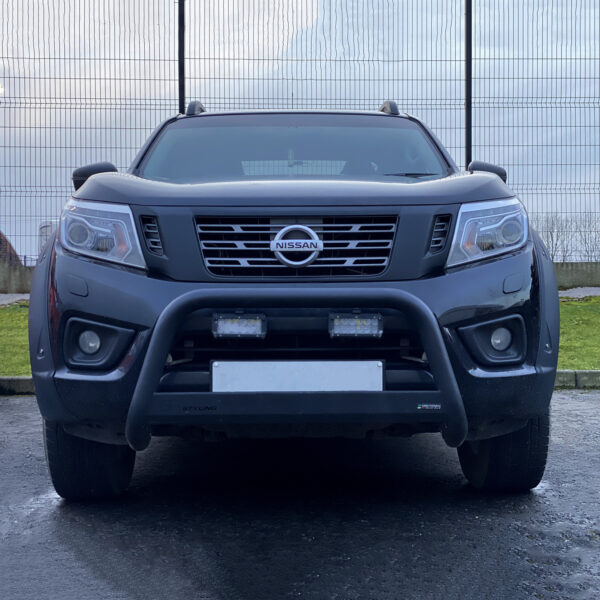 Nissan Navara leds front and roof mounted leds